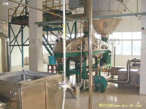 低温喷雾干燥塔三级造粒装置